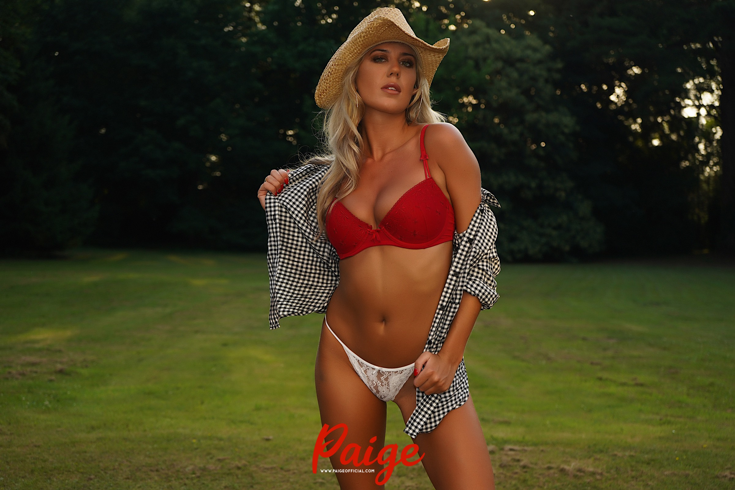Cowgirl – FREE VIDEO